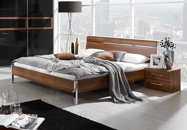 bett perfora schlafzimmerbett in kernnussbaum chrom 140x200. Black Bedroom Furniture Sets. Home Design Ideas