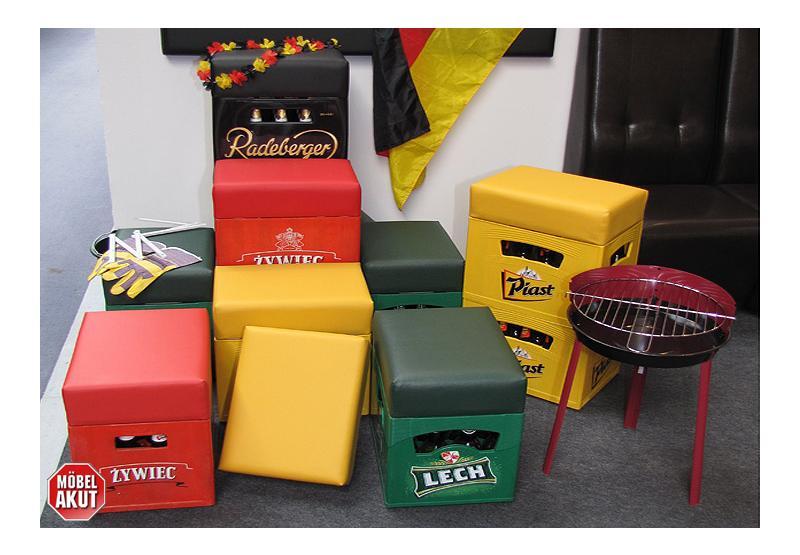 sitzhocker soccer hocker bierkasten polster mit farbwahl. Black Bedroom Furniture Sets. Home Design Ideas