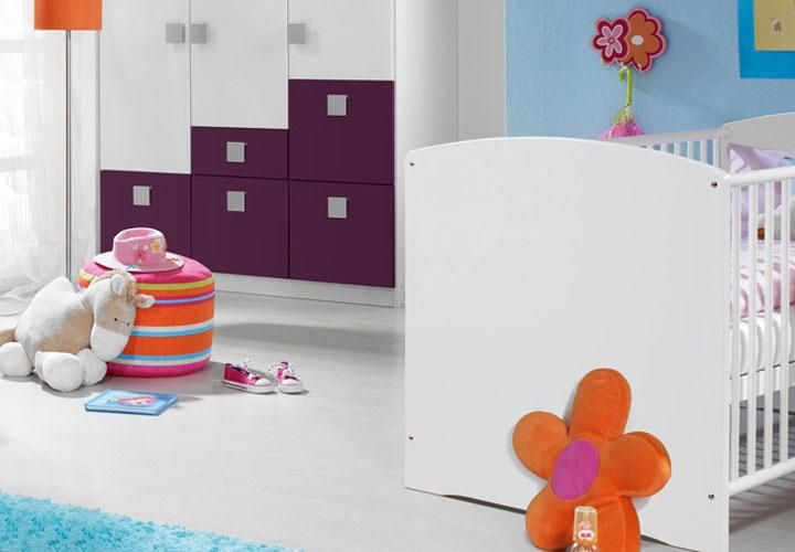 babyzimmer skate kinderzimmer in wei und lila vierteilig. Black Bedroom Furniture Sets. Home Design Ideas