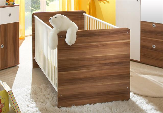 babyzimmer wiki 4 teilig wickelkommode babybett kleiderschrank in wei walnuss. Black Bedroom Furniture Sets. Home Design Ideas