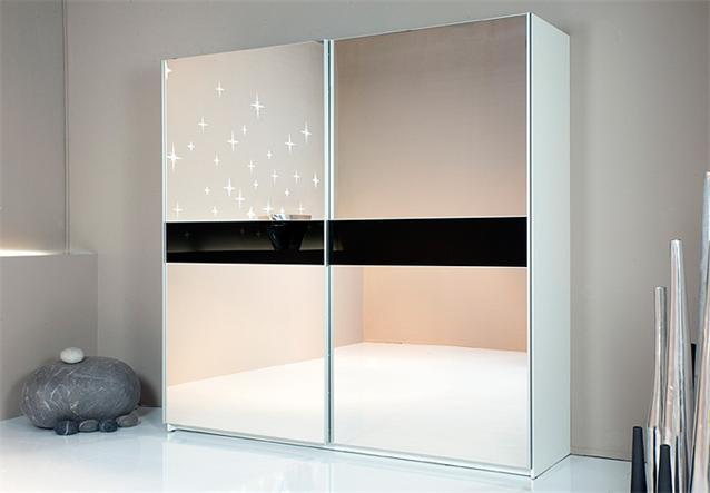 schwebet renschrank royal kleiderschrank in schwarz und. Black Bedroom Furniture Sets. Home Design Ideas