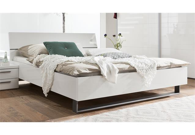 bett attimi schlafzimmerbett wei hochglanz lackiert. Black Bedroom Furniture Sets. Home Design Ideas