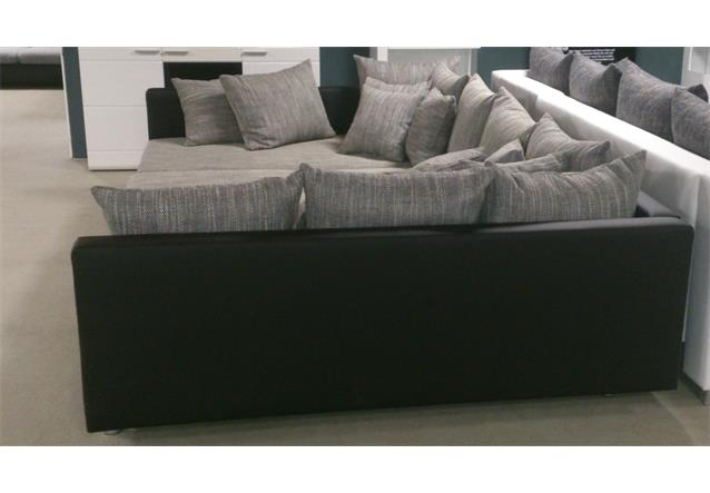 wohnlandschaft claudia xxl ecksofa couch sofa mit hocker schwarz und graubeige. Black Bedroom Furniture Sets. Home Design Ideas