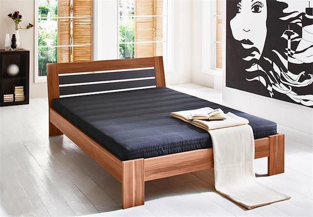 Bett ii intro futonbett wei es gestell schwarzes kopfteil - Futonbett nussbaum ...