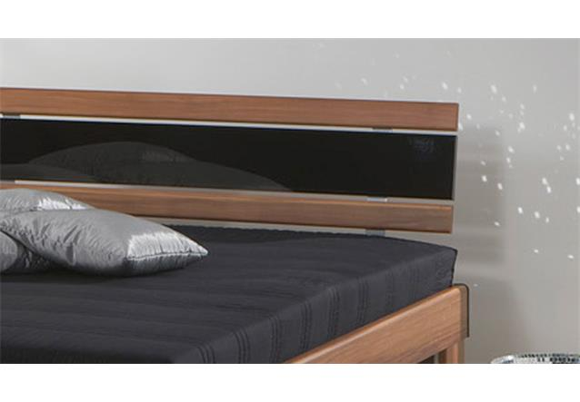 bett futonbett 140x200 rhone nussbaum mit matratze und rollrost ebay. Black Bedroom Furniture Sets. Home Design Ideas