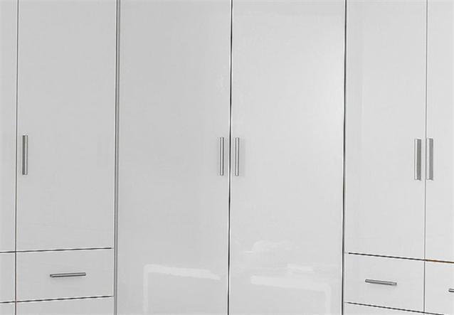 eckschrank celle schrank kleiderschrank in wei hochglanz 117 cm ebay. Black Bedroom Furniture Sets. Home Design Ideas
