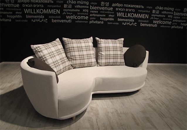 Sofa sonia wohnzimmer couch mit hocker in beige kissen for Sofa 220 breit