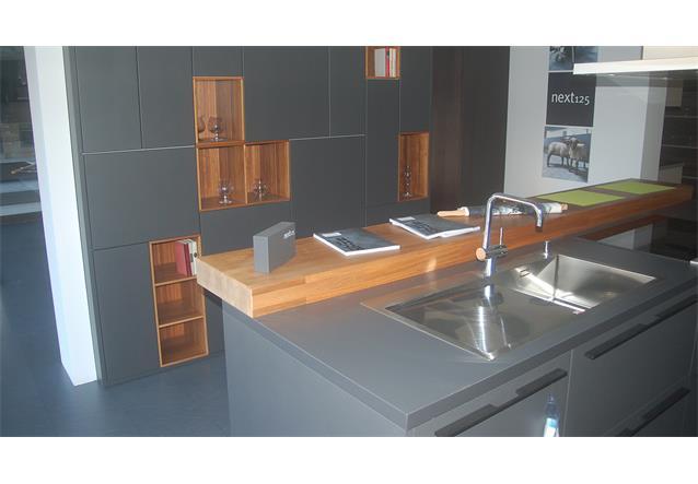 einbauk che sch ller ausstellungsk che k che insel schwarz grau walnuss e ger te ebay. Black Bedroom Furniture Sets. Home Design Ideas