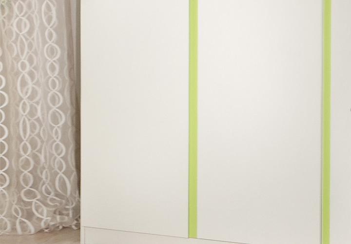 Kleiderschrank Babyzimmer Bibi 3-türig weiß mit Akzent apfelgrün ...