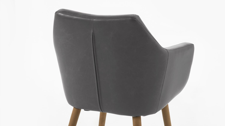 Stuhl nora in vintage grau mit eiche gestell und armlehnen for Design stuhl nora