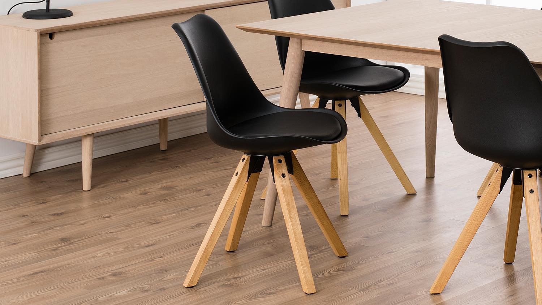stuhl dima 2er set bezug in schwarz gestell eiche massiv gebeizt ge lt. Black Bedroom Furniture Sets. Home Design Ideas