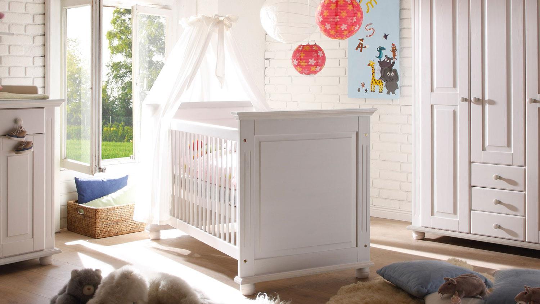 babybett laura kiefer massiv wei schlupfsprossen 70x140. Black Bedroom Furniture Sets. Home Design Ideas