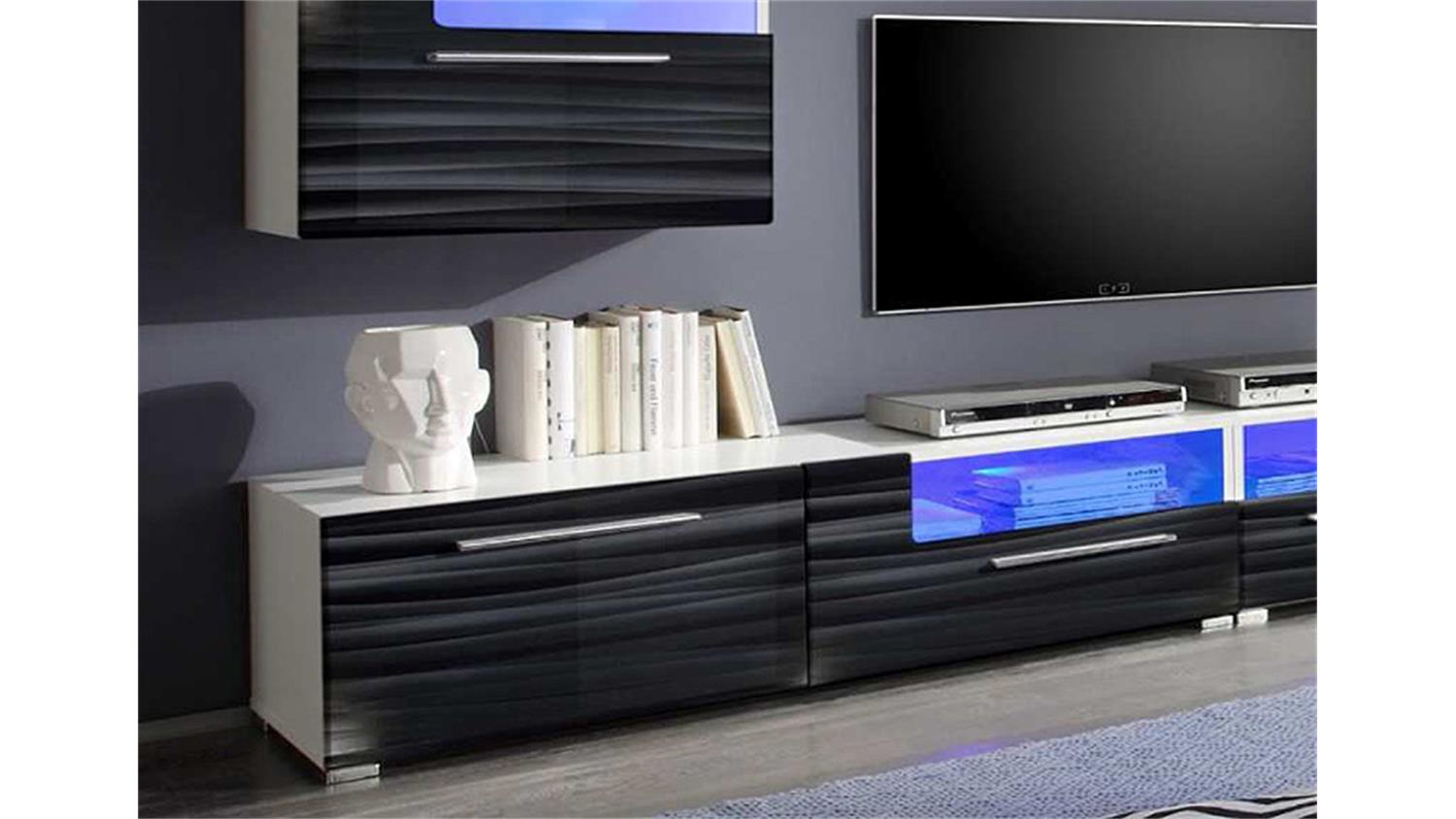 wohnwand farben trend verschiedene ideen. Black Bedroom Furniture Sets. Home Design Ideas