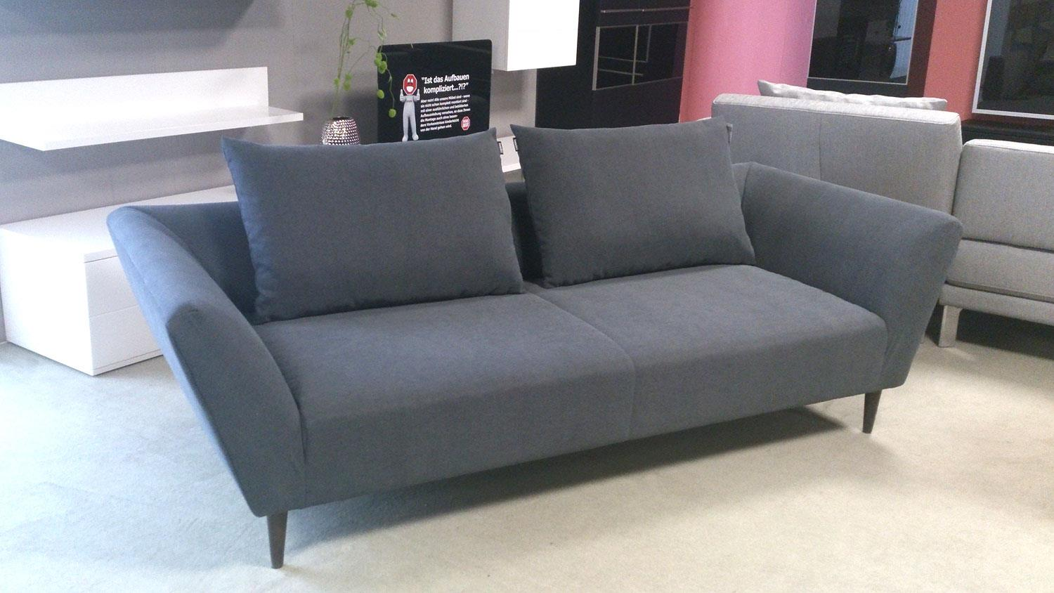 Sofa freistil 176 in grahpitgrauem stoff mit kissen rolf benz for Couch benz