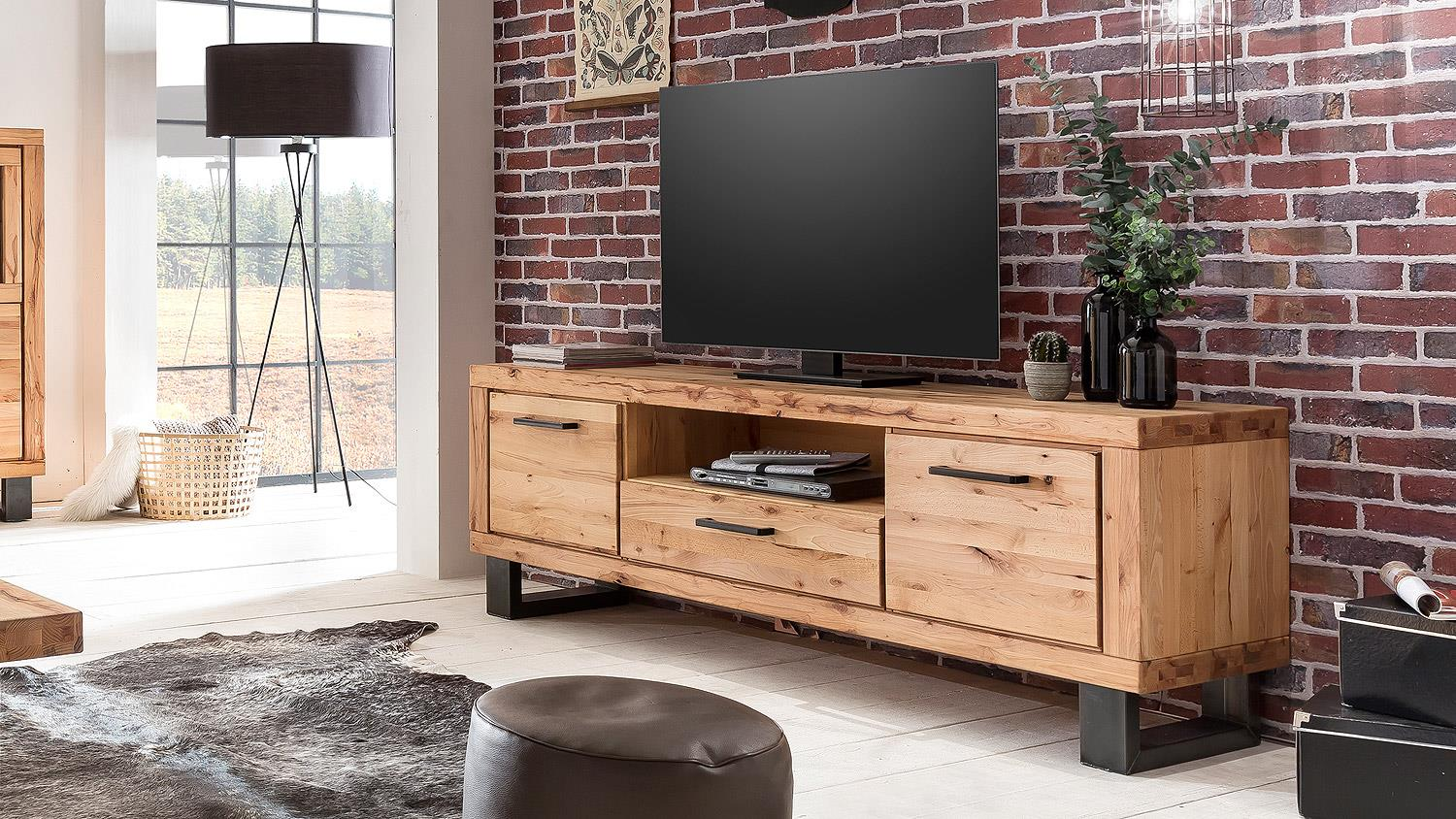 tv board leife lowboard kommode in buche massiv und metall. Black Bedroom Furniture Sets. Home Design Ideas