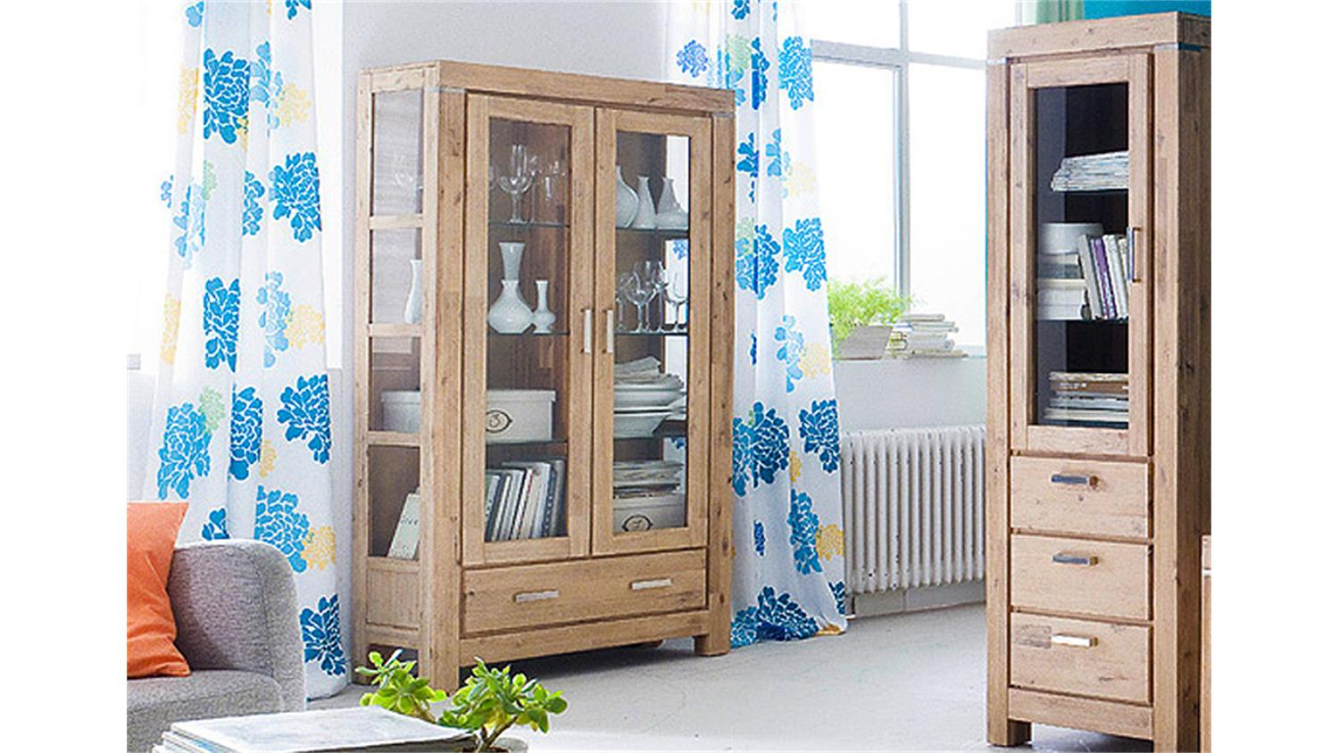 vitrine 3 victoria akazie massiv sand ge lt und gek lkt. Black Bedroom Furniture Sets. Home Design Ideas