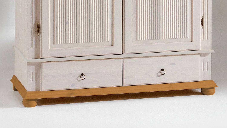kleiderschrank helsinki kiefer massiv wei antik b 138 h 199. Black Bedroom Furniture Sets. Home Design Ideas
