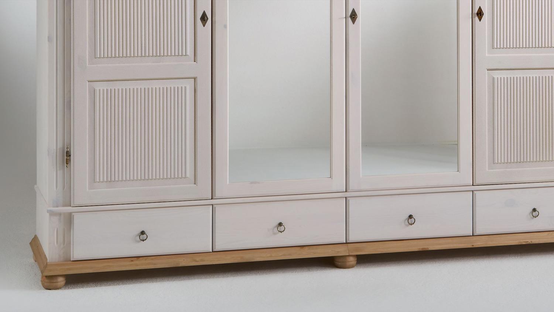 kleiderschrank helsinki kiefer massiv wei antik b 252 h 218. Black Bedroom Furniture Sets. Home Design Ideas