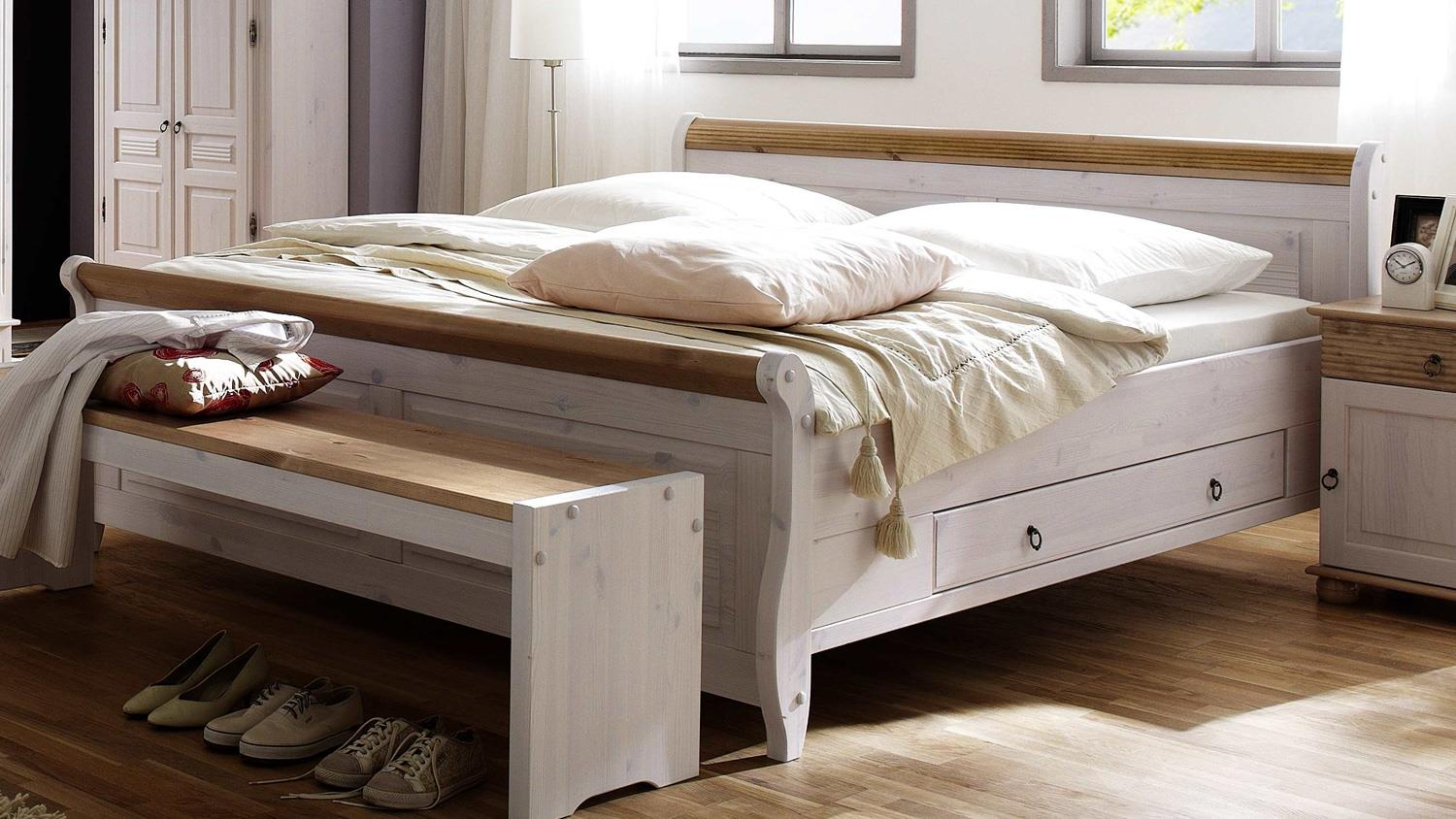 bett oslo doppelbett aus kiefer massiv wei antik 180x200 cm. Black Bedroom Furniture Sets. Home Design Ideas