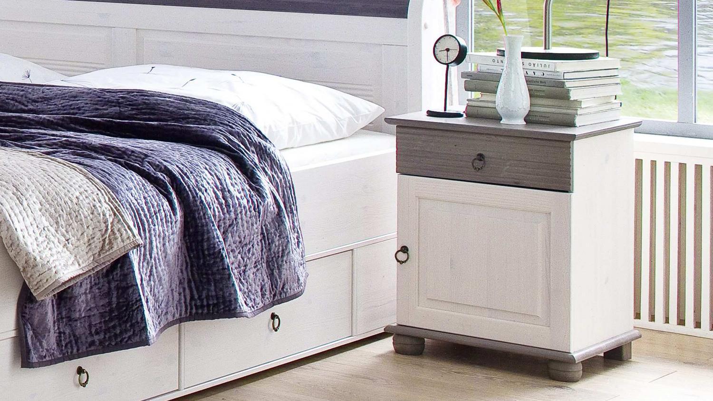 nachtkommode oslo kiefer massiv wei lava mit schubkasten. Black Bedroom Furniture Sets. Home Design Ideas