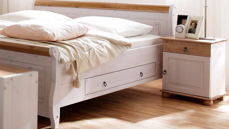 schlafzimmer oslo 4 tlg set kiefer massiv wei antik mit schweber. Black Bedroom Furniture Sets. Home Design Ideas