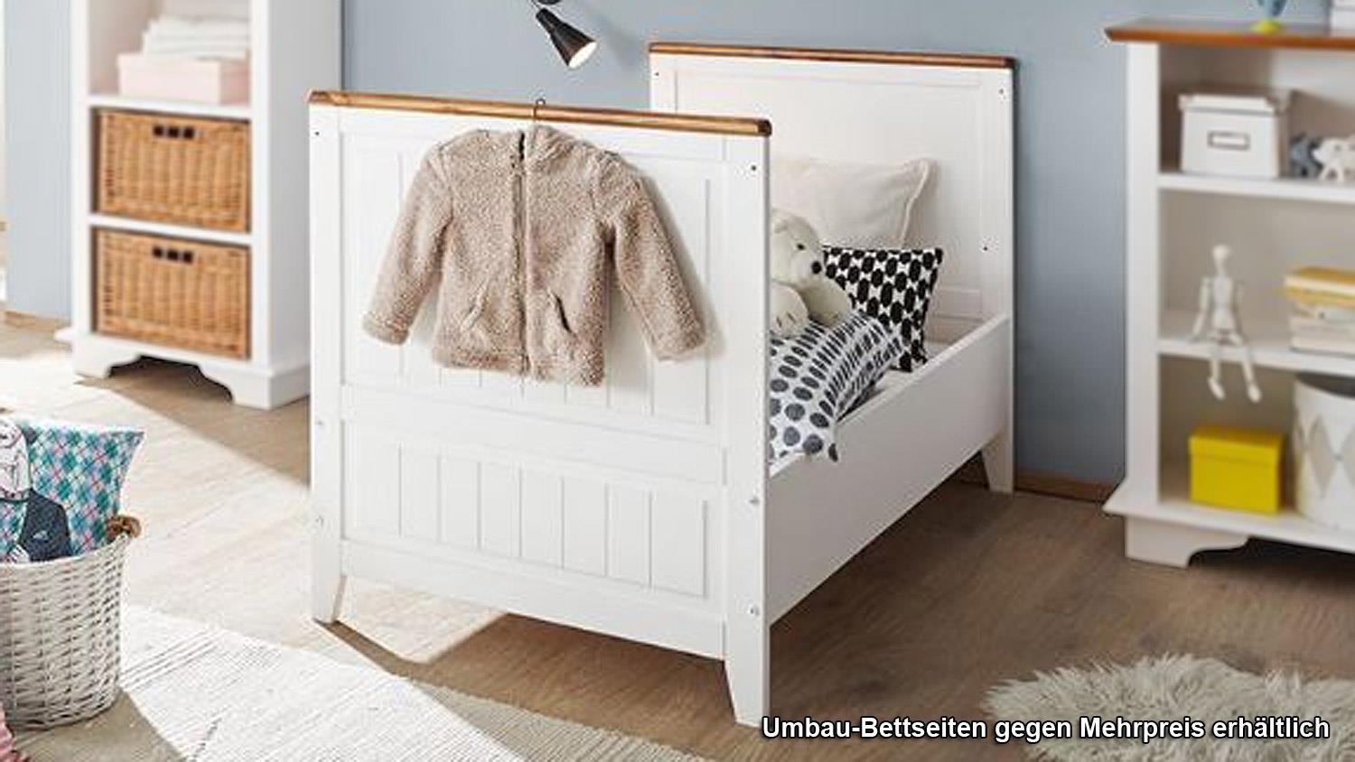 babybett giulia gitterbett in kiefer wei massiv und. Black Bedroom Furniture Sets. Home Design Ideas