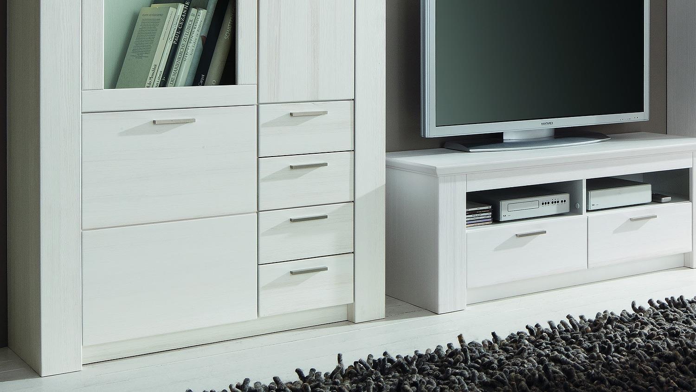 wohnwand landhaus modern interessante ideen. Black Bedroom Furniture Sets. Home Design Ideas