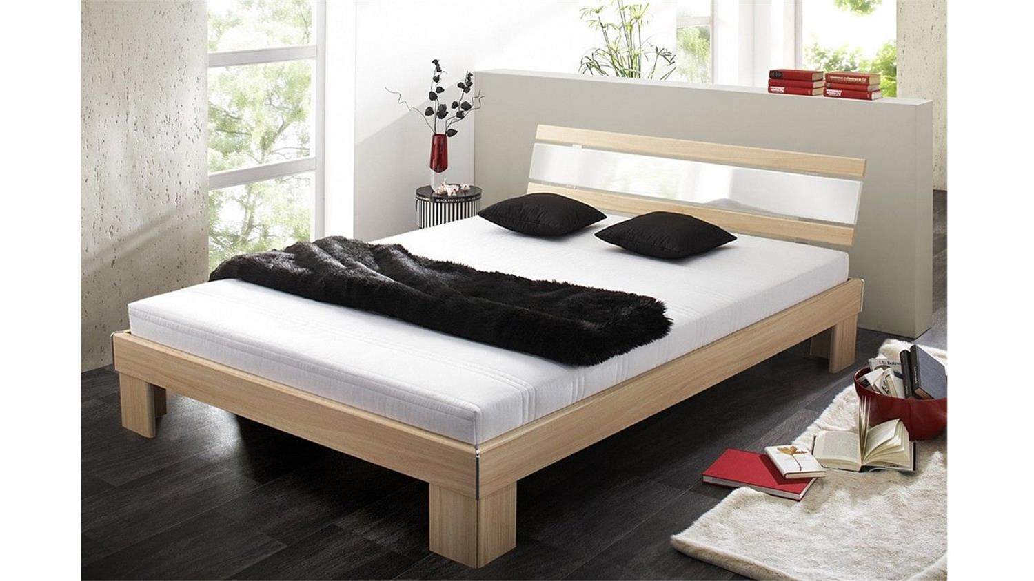 futonbett rhone bett buche wei hochglanz mit rollrost matratze 140. Black Bedroom Furniture Sets. Home Design Ideas