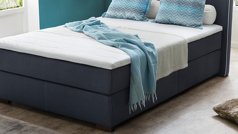 boxspringbett isabel bett f r schlazimmer blau wei mit topper 140. Black Bedroom Furniture Sets. Home Design Ideas