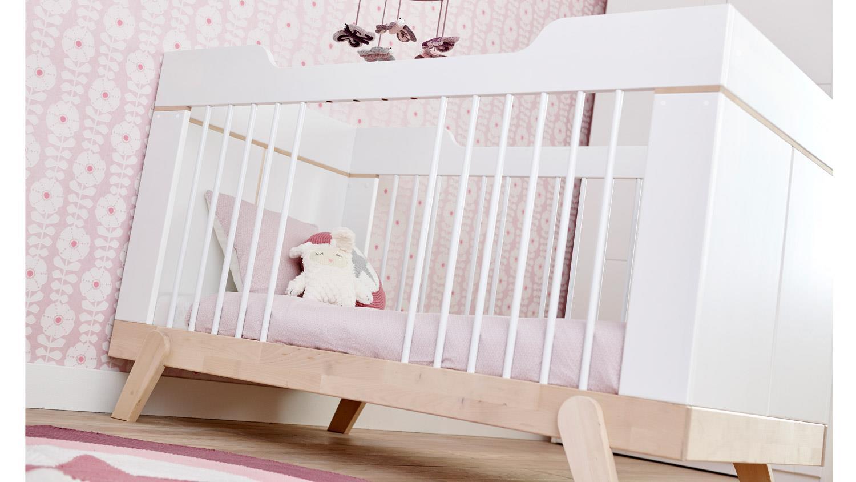 babybett life time gitterbett in birke massiv und wei. Black Bedroom Furniture Sets. Home Design Ideas