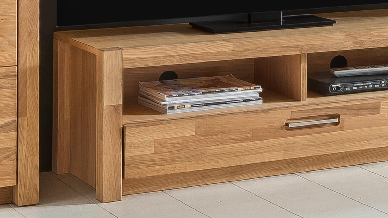 tv board fenja in wildeiche massiv ge lt und furniert. Black Bedroom Furniture Sets. Home Design Ideas