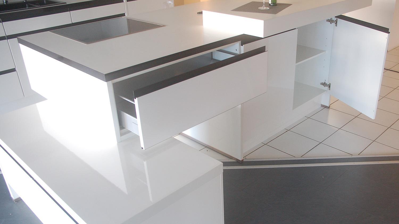 einbauk che nobilia ausstellungsk che insel wei hochglanz. Black Bedroom Furniture Sets. Home Design Ideas