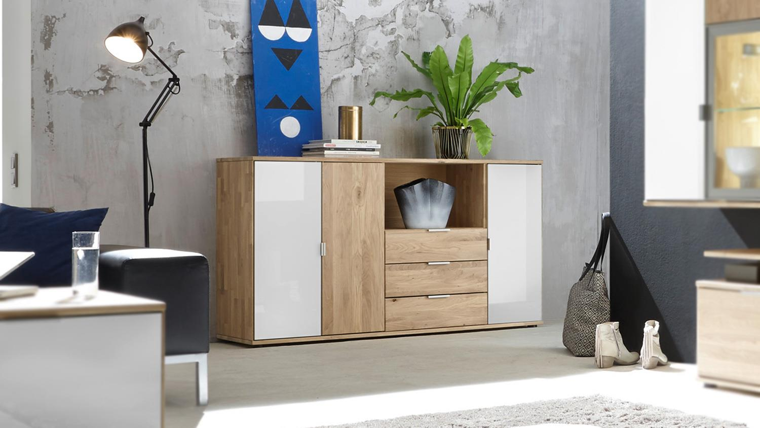 sideboard como kommode in wildeiche massiv ge lt und glas wei lack. Black Bedroom Furniture Sets. Home Design Ideas