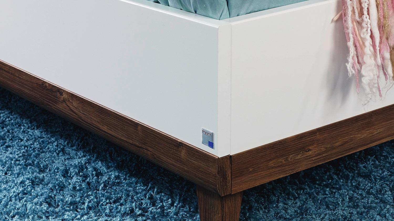 Bett susann futonbett in wei und eiche stirling 120x200 for Bett 120x200 eiche