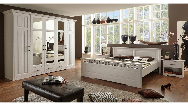 schlafzimmer set kalas schrank bett nachtkommode kiefer massiv wei. Black Bedroom Furniture Sets. Home Design Ideas