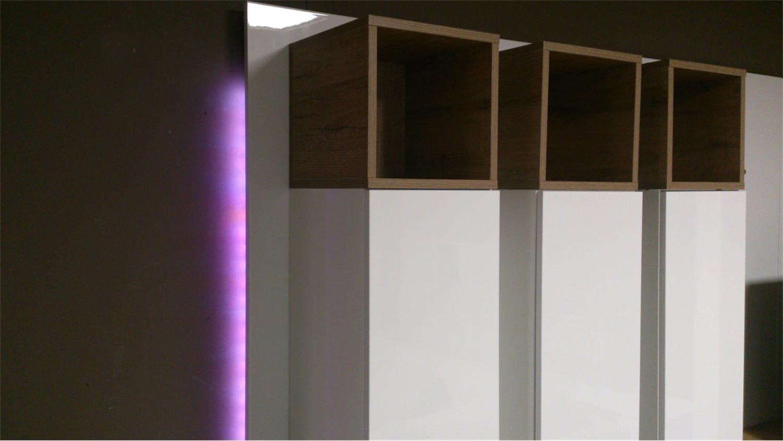 led ambientebeleuchtung wohnzimmer: Wohnzimmer in ein schönes Licht ...