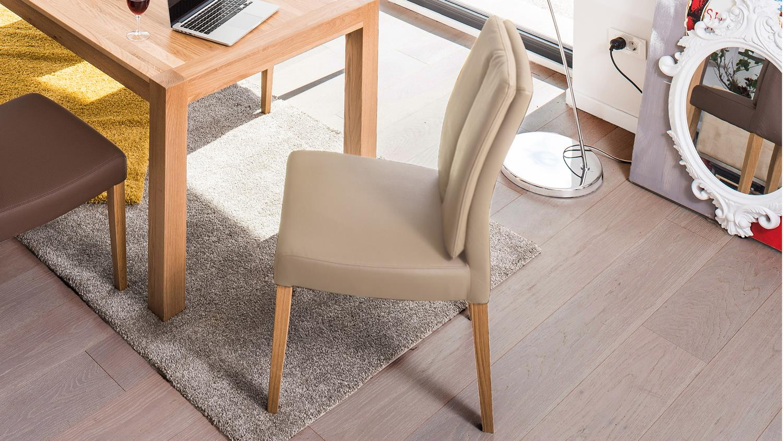 stuhl flynn 2 in kaiman schlamm und eiche natur massiv. Black Bedroom Furniture Sets. Home Design Ideas