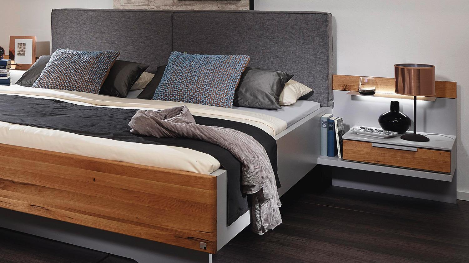 schlafzimmer lavant schrank bett nachtkommode in grau asteiche massiv. Black Bedroom Furniture Sets. Home Design Ideas