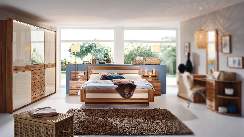 Schlafzimmer VALERIE Schrank Bett Kernbuche teilmassiv creme Hochglanz