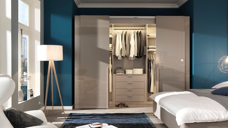 schwebet renschrank ineo schrank begehbar tr ffel hochglanz wellem bel. Black Bedroom Furniture Sets. Home Design Ideas