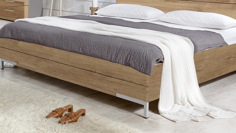 Bett mit stauraum 180x200 schlafzimmer buche kernbuche for Bett mit stauraum 180x200