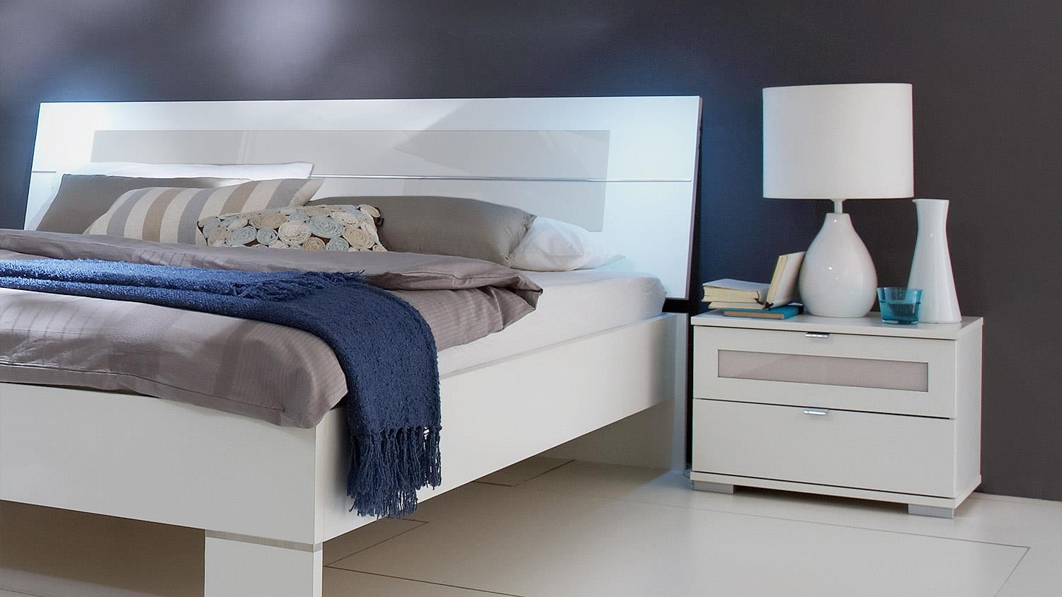 schlafzimmer set advantage schrank bett nako in wei und. Black Bedroom Furniture Sets. Home Design Ideas
