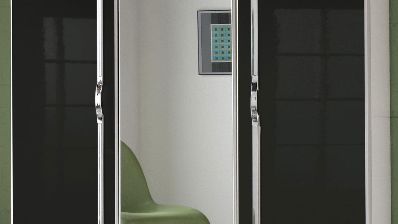 Kleiderschrank TRIO Schrank in schwarz Hochglanz weiß Chrom 135 cm