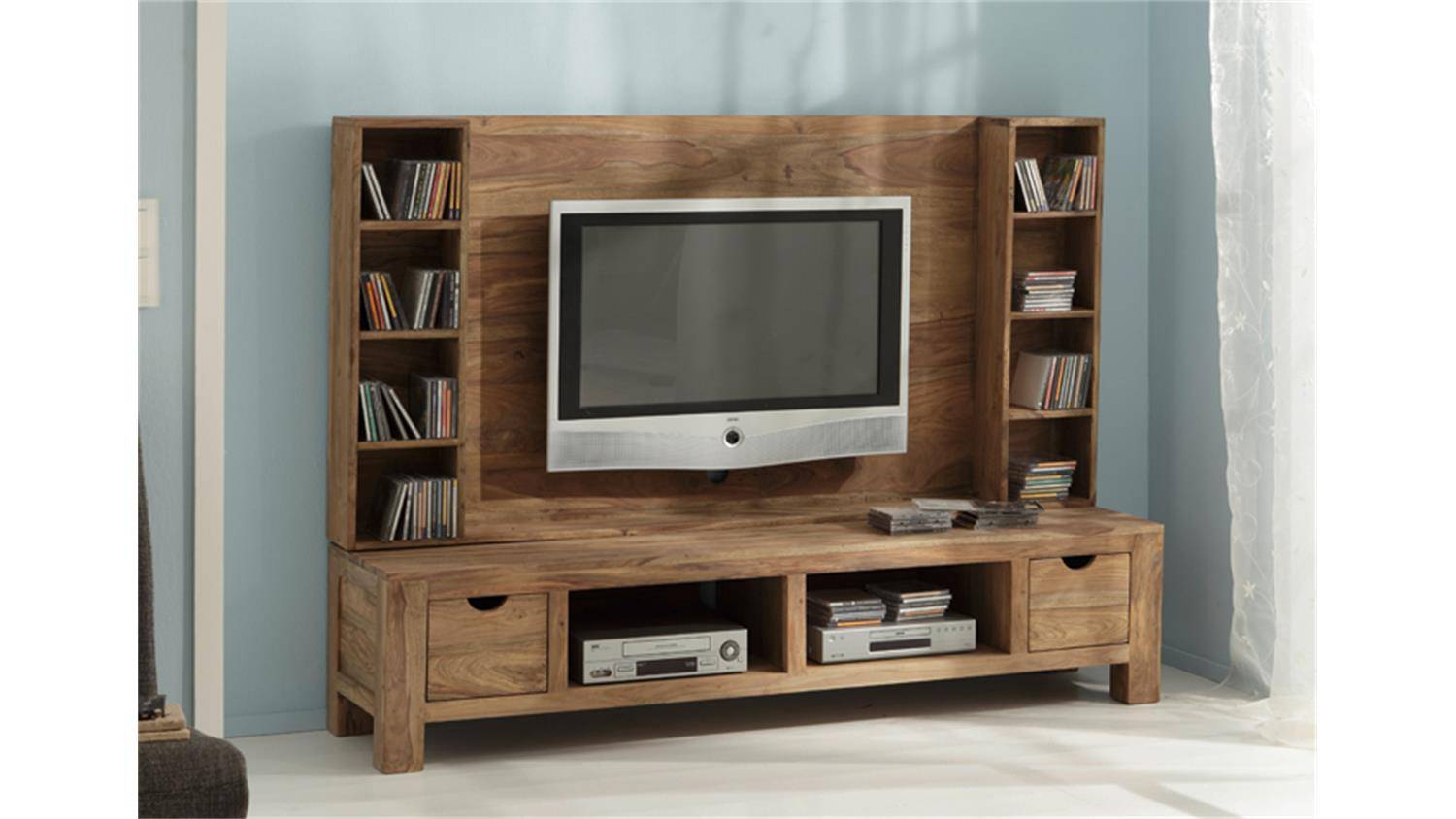 tv wand yoga sheesham massiv landhausstil von wolf m bel. Black Bedroom Furniture Sets. Home Design Ideas