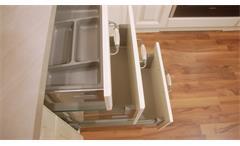 Einbauküche Nobilia Ausstellungsküche Küche Landhaus in vanille mit E-Geräte