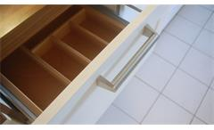 Einbauküche Nobilia Ausstellungsküche Küche in weiß und Walnuss mit E-Geräte