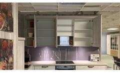 Einbauküche Nobilia Ausstellungsküche Küche Landhaus in Pinie mit E-Geräte