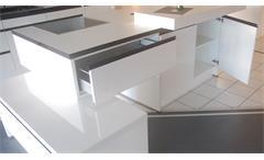 Einbauküche Nobilia Ausstellungsküche Küche Insel weiß Hochglanz E-Geräte