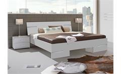 Futonbett Anna 140x200 Bett in Alpinweiß mit Chromabsetzungen