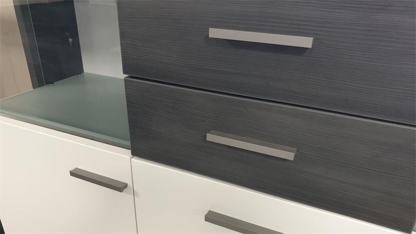 Highboard weiß lackiert Absetzung Esche grau 3-türig  Studio 2